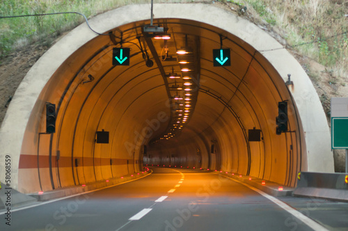 Foto auf AluDibond Tunel tunnel entrance