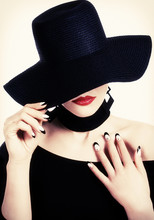 Black Hat, Red Lips And Nailart