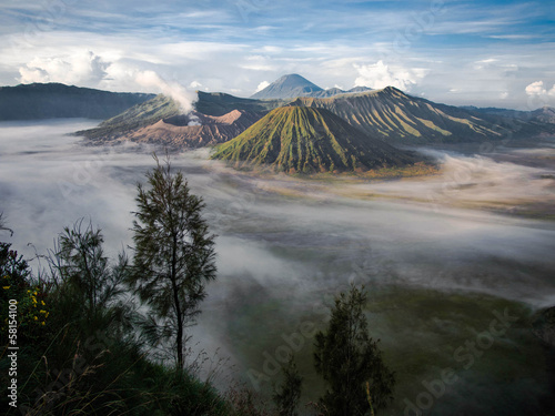 Foto op Plexiglas Indonesië Gunung Bromo, Mount Batok and Gunung Semeru in Java, Indonesia