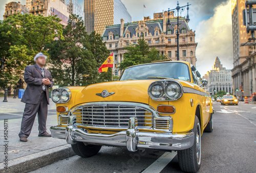 Foto auf AluDibond New York TAXI Vintage scene in New York. Old yellow cab in city streets