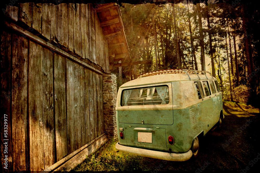 Fotografie, Obraz Retrobulli an der alten Scheune
