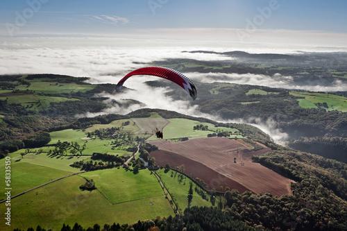 Fotografia  Le Puys de Dôme vue du ciel , le Pays de Ménat