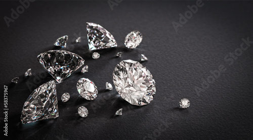 Fotografia Shiny diamonds on black background
