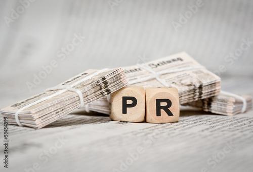 PR - Zeitungsstapel