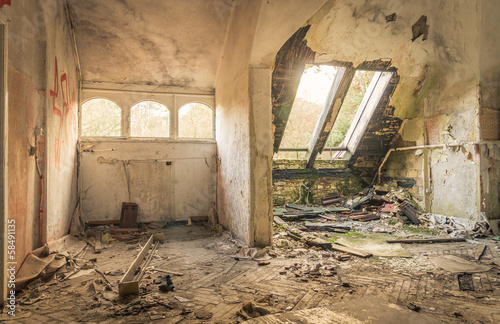 Foto auf AluDibond Altes Beelitz-Krankenhaus Abandoned Hospital in Beelitz Heilstätten near Berlin in German