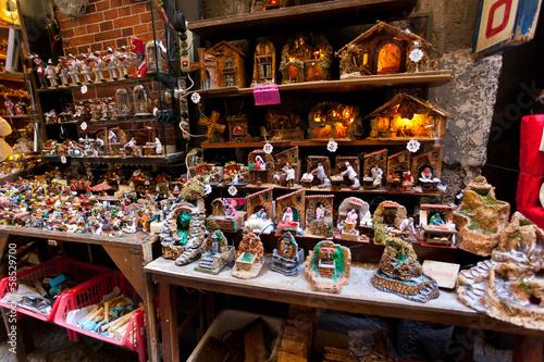 Foto auf AluDibond Neapel San Gregorio Armeno street of the nativity scene in Naples