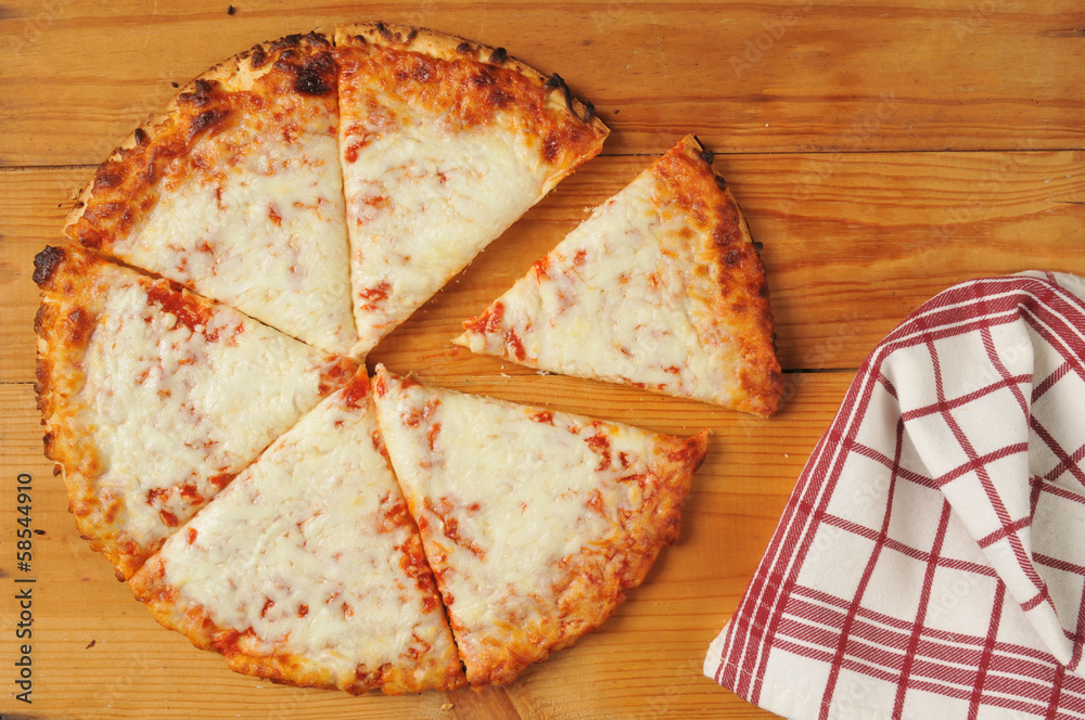 Rustic cheese pizza