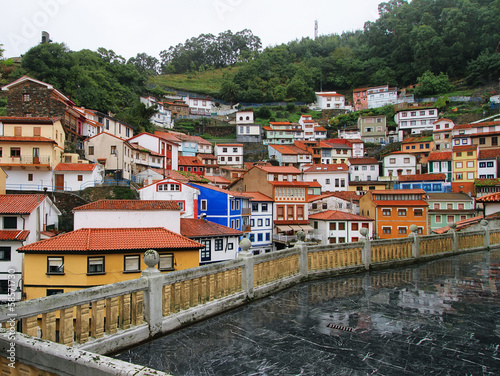 Fototapety, obrazy: Nice houses in the old town of Cudillero, Spain