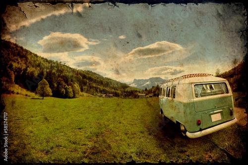 Cuadros en Lienzo Retrobulli auf dem Weg in die Berge
