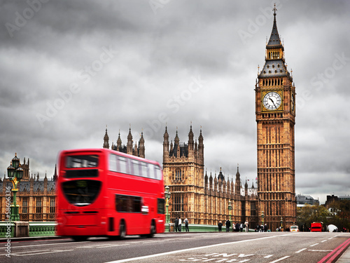 Foto op Canvas Londen rode bus London, the UK. Red bus in motion and Big Ben