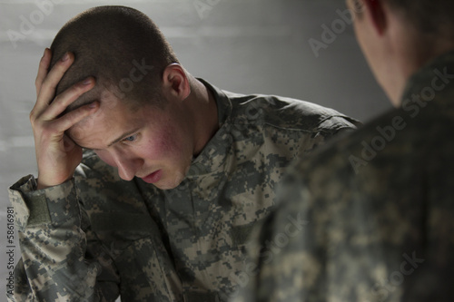 Fotografie, Obraz  Emotional military man consoled by peer, horizontal