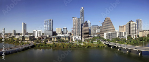 Autocollant pour porte Texas A View of the Skyline Austin at Sunny Day in Texas