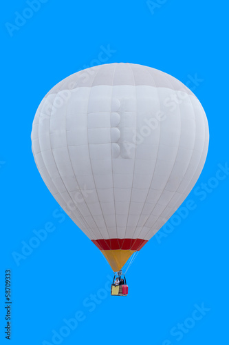 bialy-balon-na-gorace-powietrze-na-tle-blekitnego-nieba
