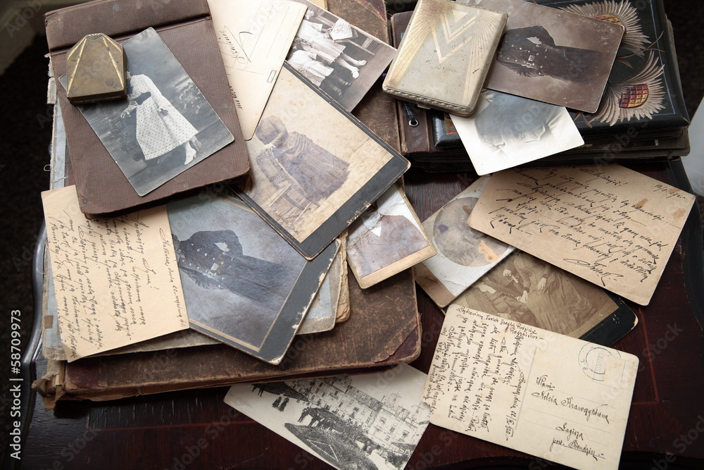 Fototapety, obrazy: Photos, albums and letters.