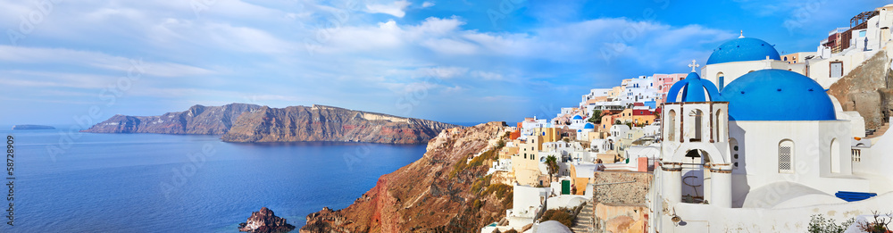 Fototapety, obrazy: Panoramic view of Oia village on Santorini island, Greece.