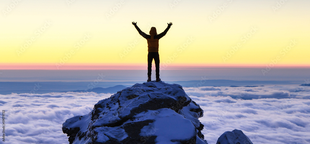 Fototapety, obrazy: succes on top of the mountain
