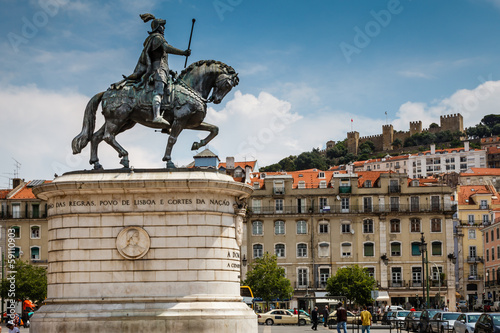 Photo Statue of King Joao I at Figueiroa Square and St. Jorge Castle i