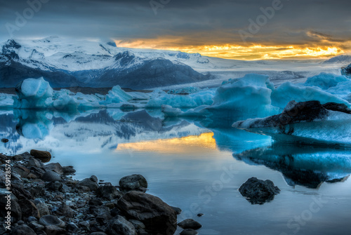 Fotomural Jokulsarlon Lake & Icebergs during sunset, Iceland