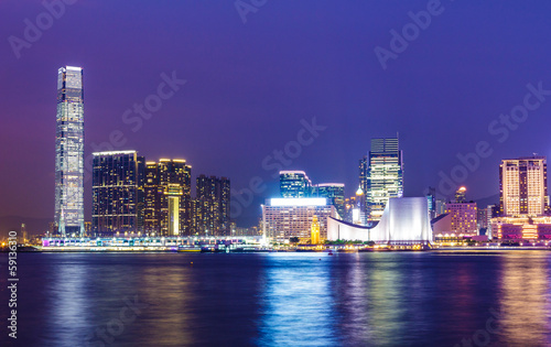 Spoed Foto op Canvas Violet Kowloon at night
