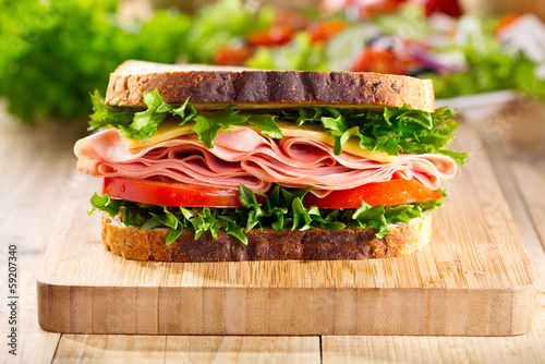 Poster de jardin Snack sandwich with bacon and vegetables