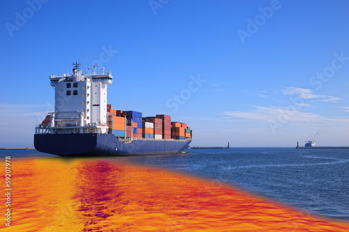 Fotografija  Oil spill from the ship - Image is an artistic digital rendering