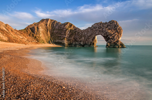 Montage in der Fensternische Kuste Durdle Dor a rock arch off the Jurassic Coast Dorset England