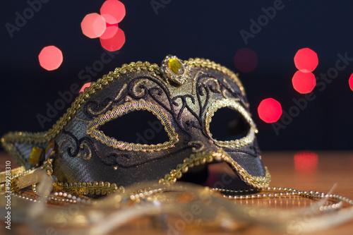 Fotografie, Obraz  Karnevalovou masku na pozadí svátek světel.