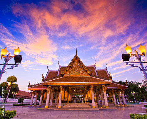 In de dag Bangkok King Rama III Memorial Park near Wat Ratchanatdaram, Thailand