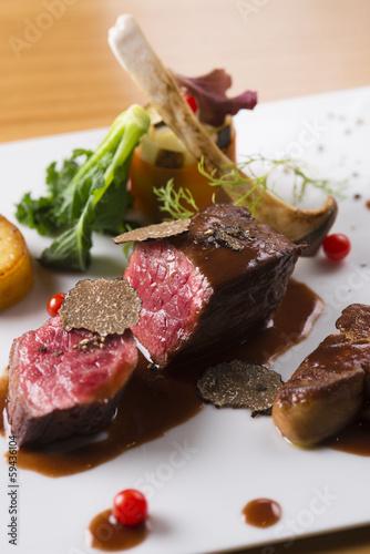 Deurstickers Klaar gerecht 肉料理