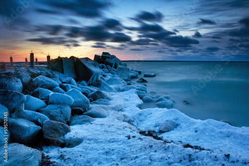 Fotografie, Obraz  Old pierce in ice