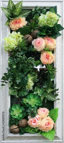 kwiaty-mieszane-bukiet-na-tle