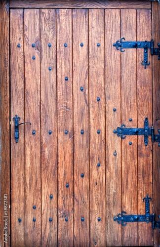 sredniowieczne-i-stare-drewniane-drzwi
