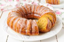 Pumpkin Bundt Cake With Sugar Icing