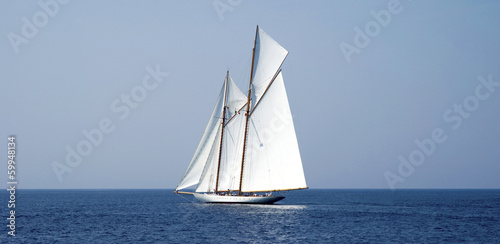 Fotografía  Sailboat on sea