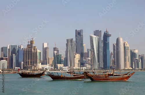 panorame-doha-z-tradycyjnymi-arabskimi-dhows-katar