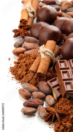 sklad-czekoladowi-cukierki-kakao-i-pikantnosc-odizolowywajacy