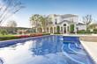 Leinwanddruck Bild - exterior of villa