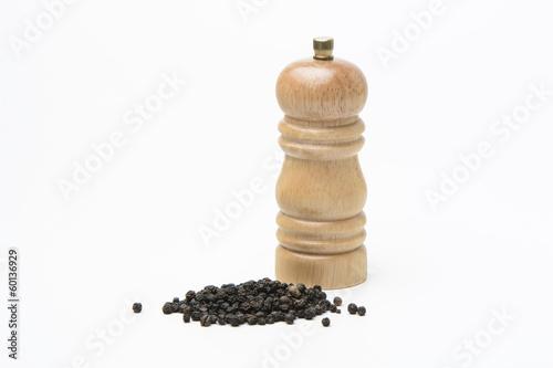 Fotografía Molinillo de pimienta y pimienta