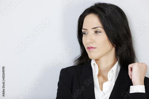 Fotografía  Business woman looking stern