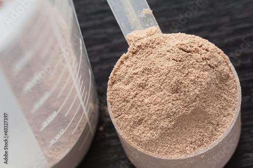 Fotografia  Szufelka białka serwatki czekoladowej