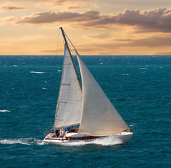 Panel Szklany Podświetlane Marynistyczny Sea voyage on yacht