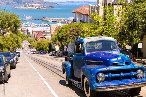 Recess Fitting Vintage cars San Francisco Hyde Street and vintage car with Alcatraz