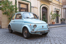 Fiat 500 Dans Les Rues De Rome