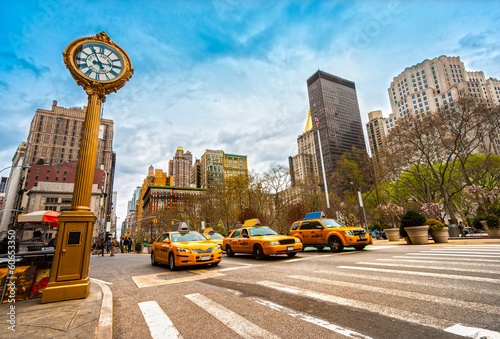 In de dag New York Taxis on fifth avenue, New York city.