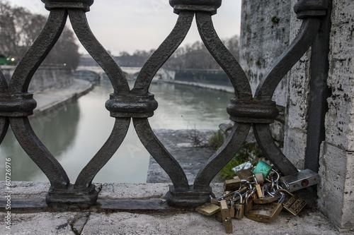 ponti e lucchetti di Roma Canvas-taulu