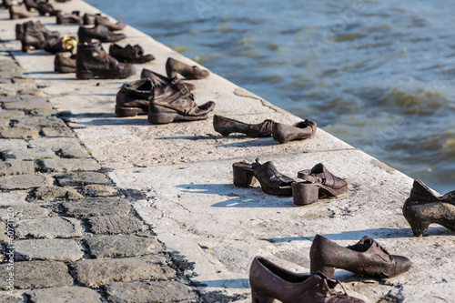 Fotografie, Obraz  Shoes on the Danube, a monument to Hungarian Jews shot in the se