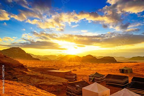 Poster de jardin Desert de sable Scenic desert in Wadi Rum, Jordan at sunset.