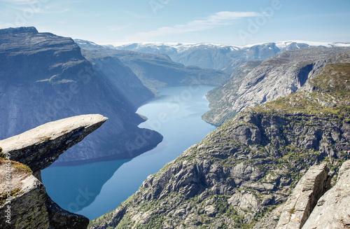 Obraz Skała Trolltunga w Norwegii - fototapety do salonu