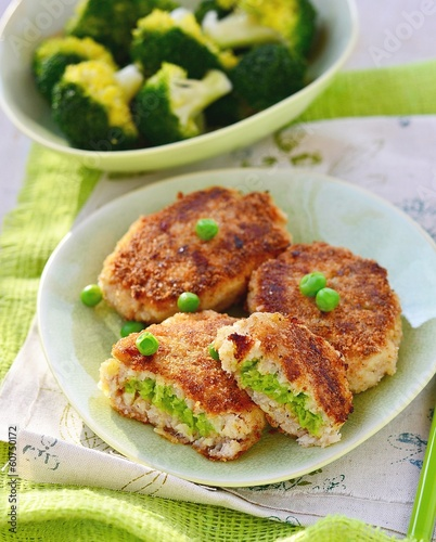 fish croquette with green pea - 60750172