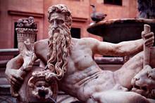 Piazza Pretoria Statue